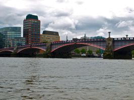 Bridging the Thames by gee231205