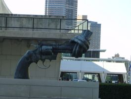 Sculpture United Nations by blackthornsos