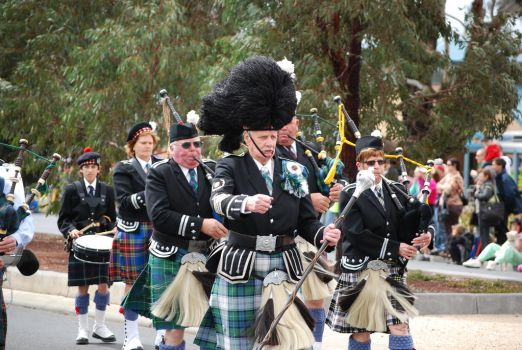 Marching forward - Pipe band by NinthTome