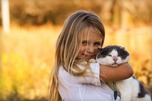 Kitty Loves Hugs by UriahGallery