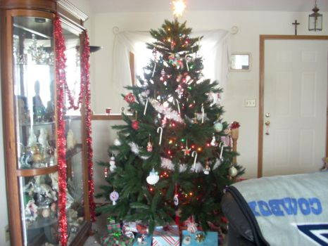 My Christmas Tree :D by an-underscore