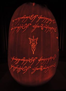 LOTR Pumpkin 2016! Side 3/4 by Lireal11