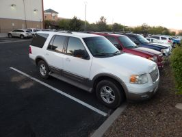 2003 Ford Expedition Eddie Bauer by TheHunteroftheUndead