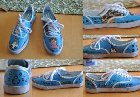 Totoro shoes by aarontheawesome