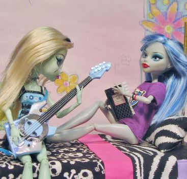 Play me a love song by gorby1961