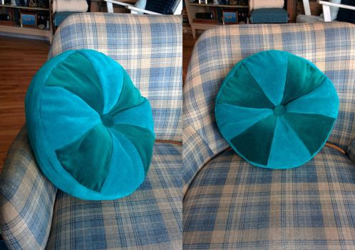 13 Inches Round Cushion by kayanah
