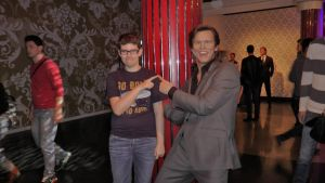 The never ending Pokewar (Madame tussauds) by Albme94