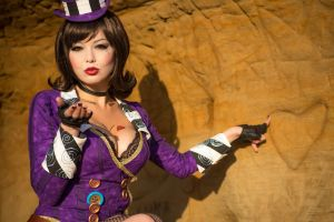 Borderlands 2 - Mad Moxxi by AzHP