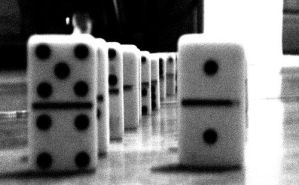Do-do-dominoes by loligoth13