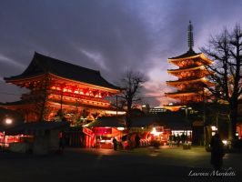 Sensou-ji - Temple Sensou by Gallynette