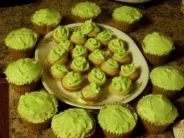 Mountain dew cupcakes by Grudgeholder