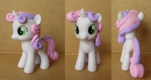 Sweetie Belle Custom by atelok