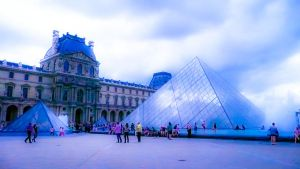 The Louvre by lipstickmisfit