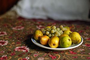 pears and grapes by NuclearSeasons