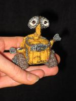 Wall- E  in my hand by mellisea