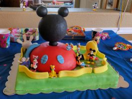 Mickey Mouse Clubhouse Cake by stevoluvmunchkin
