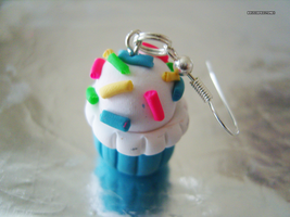 Cupcake Earring by bruisepristinex