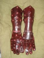 Blood Leather Gauntlets by tungstenwolf