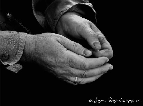 haNds by ozlm