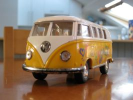 Hippie Bus by Warrenator-1