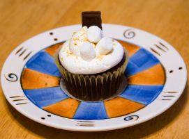 S'mores Cupcake by theshaggyturtle