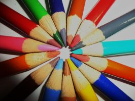 Pencil circle by Laura-in-china