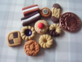 MINATURE FOOD COOKIES BISCUITS by Victim-RED