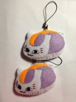 Nyanko-sensei Keychain or Pin by jaysanzo