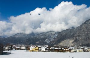 happy cloud over the mountains by 5mok3