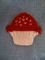 knitted cupcake applique by kitsuneofthewoods