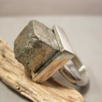 Cubist glow ring by Jealousydesign