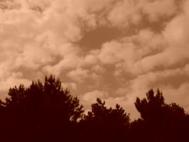 sky in sepia by HirOinEvOl