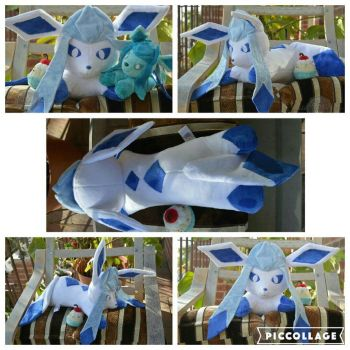 Adorable Snowflakes (Shiny and regular Glaceon) by PlushPrincess