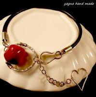 The red spot by yagnahandmade