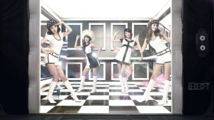 SNSD HOOT Wallpaper A by UberzErO