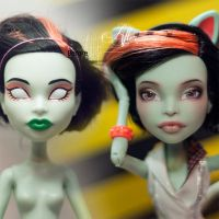 Monster High Scarah Screams before after repaint by AshGUTZ