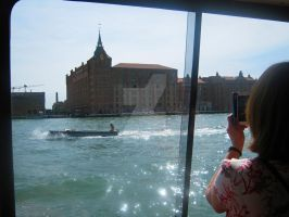 The sparkling water of Venice by BLUE---WOLF