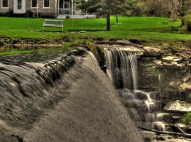 Henderson Waterfall 2 HDR by Lectrichead