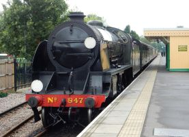 Southern 847 Arriving at East Grinstead by rlkitterman