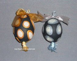 spot egg ornaments by kryz-flavored