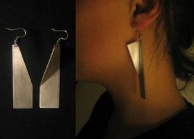 cut bend earrings by unseennapper