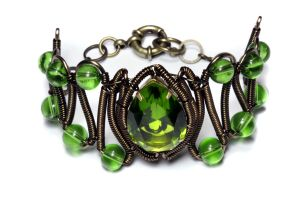 Steampunk Jeweled bracelet green by CatherinetteRings