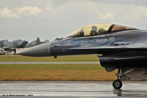 Taxiing Falcon by mc205veltro