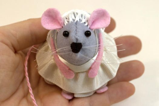 Daenerys Targaryen Mouse Ornament Game of Thrones by The-House-of-Mouse