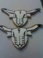 Cow Skull Cookies by eckabeck