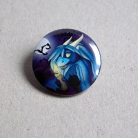 Gift: Button of halloween Samantha by Samantha-dragon