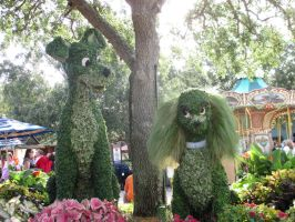 The Lamp and Tramp Topiary at Downtown Disney by DreamsCanComeTrue67
