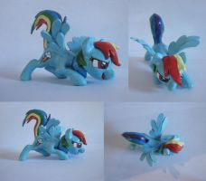 Rainbow dash sculpt by CGskillz