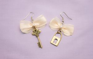 Vintage lock and key earrings by theaquallama
