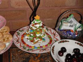 Gingerbread tree by Amazinadrielle